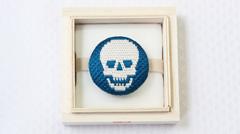 絽刺し帯留め 髑髏(どくろ) ブルー