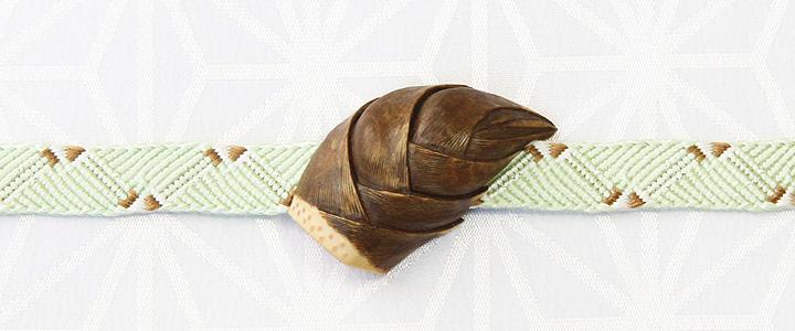 黄楊帯留め 筍 三分紐を通したイメージ