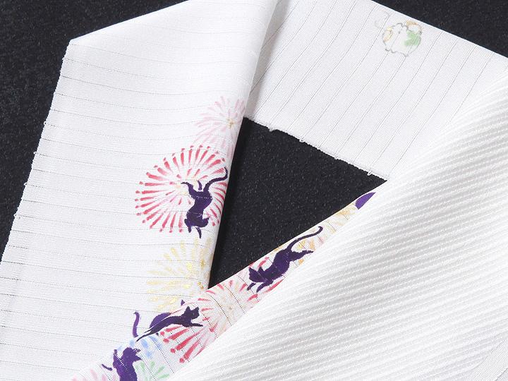 夏物手描き半襟 猫の花火 白の生地と合わせたイメージ