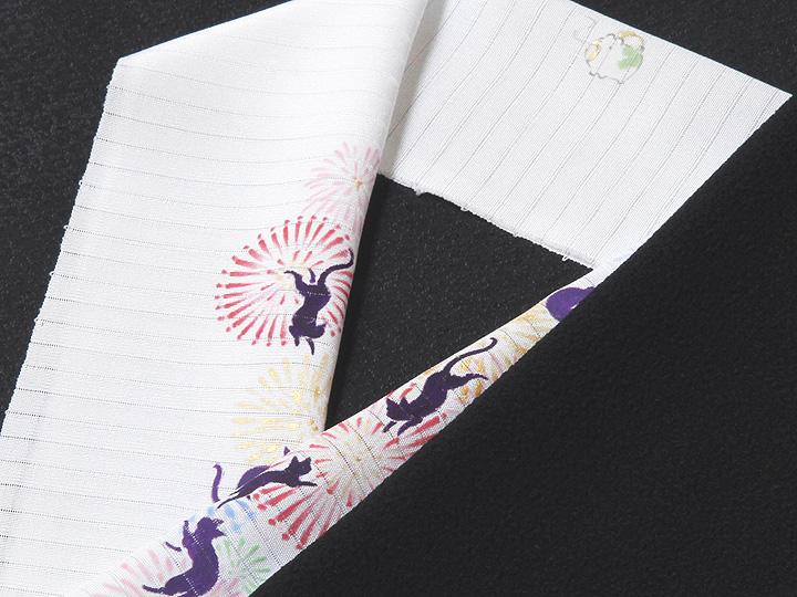 夏物手描き半襟 猫の花火 黒の生地と合わせたイメージ